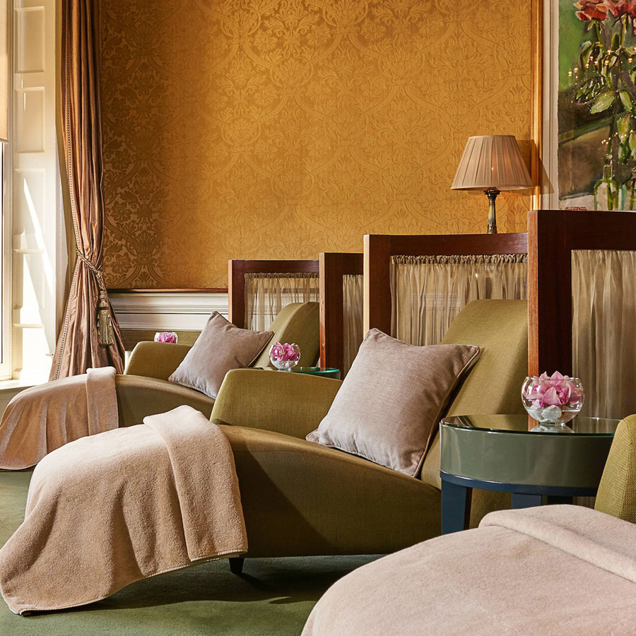 Can hotel guests use the relaxation room?%