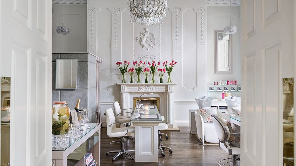 Salon services in Shelbourne Hotel, Dublin