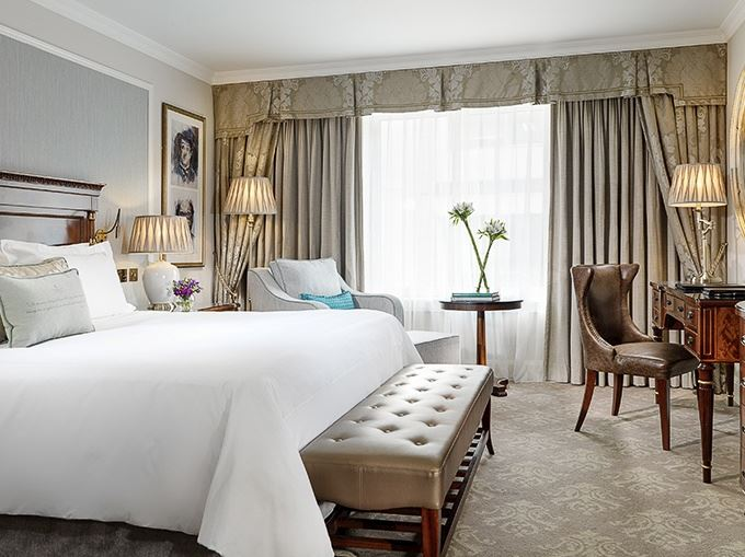 The Shelbourne Hotel, Dublin offers Deluxe King Guest Room